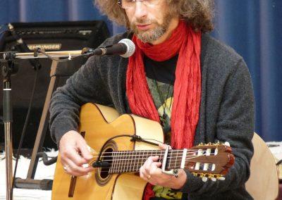 felix-guitar