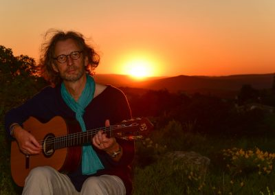 felix-guitar-sunset-06